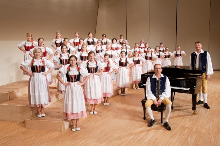 【招待券プレゼント!】世界最高の少女合唱団《イトロ》が贈るクリスマスコンサート